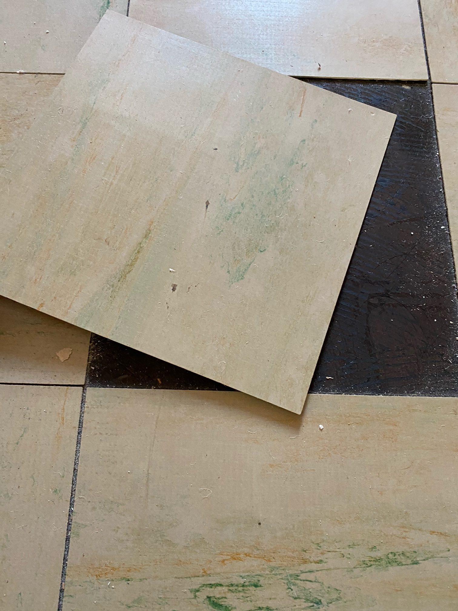 Asbesthaltige Floor-Flex-Platten